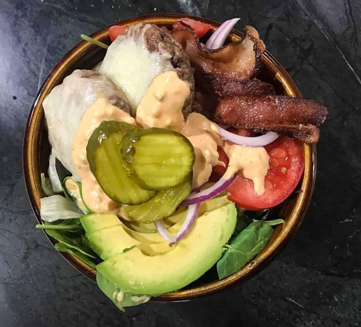 Healthy cheeseburger meal prep bowl recipe by foodology geek.