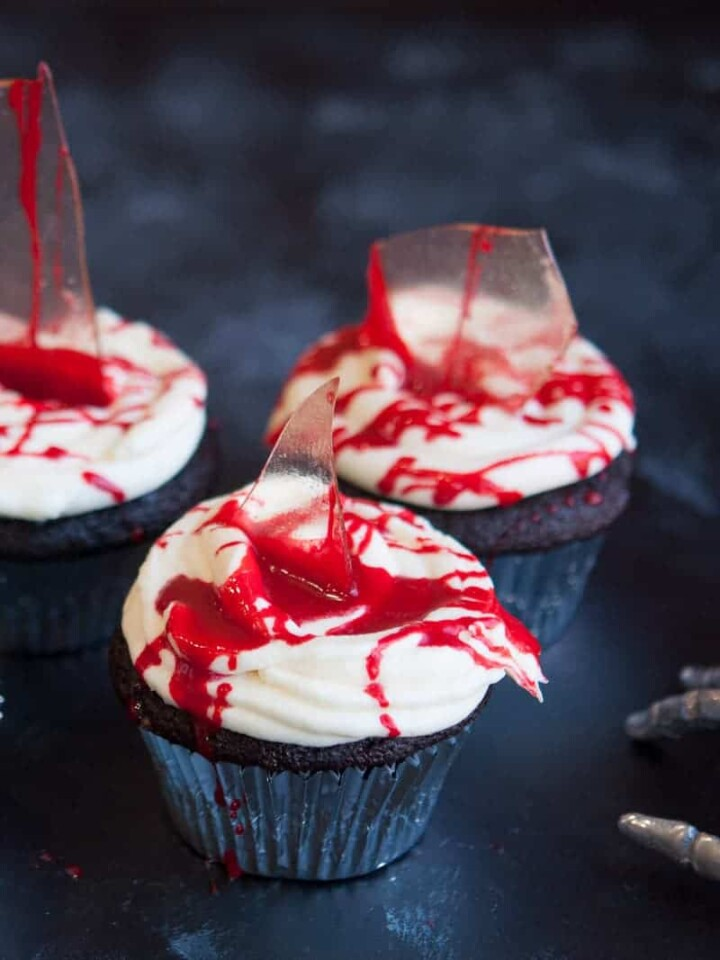 Creepy halloween cupcake ideas.