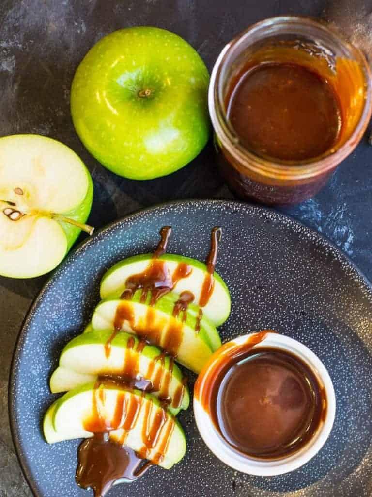 caramel sauce with apples | foodologygeek