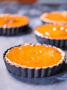 Mini Pumpkin pi tarts in the tart pan