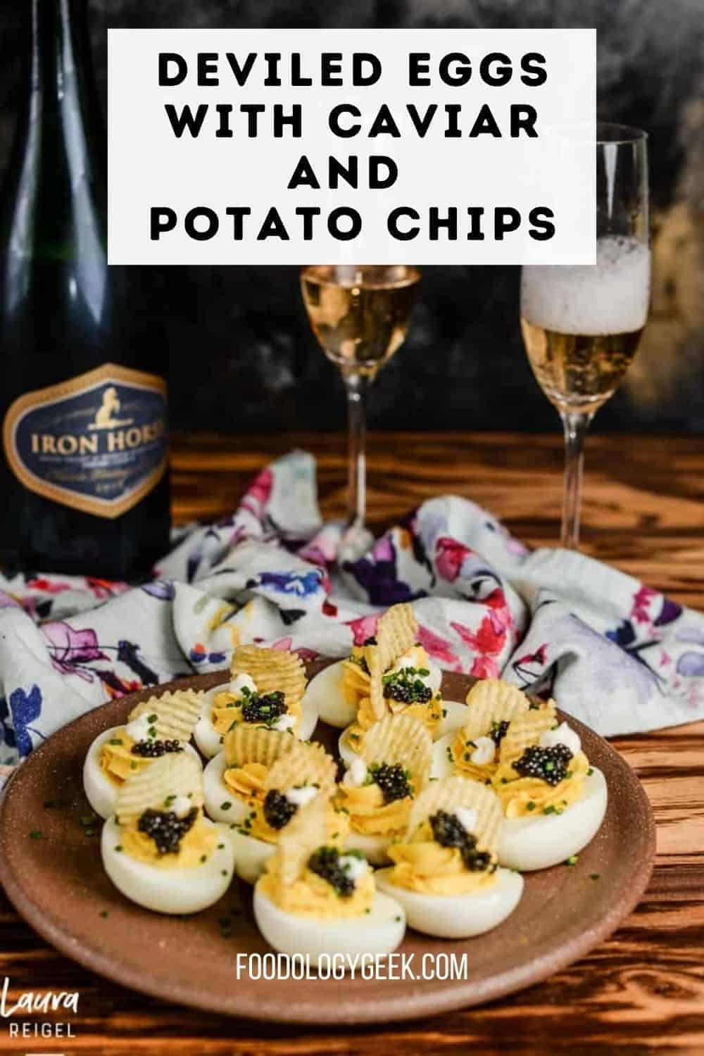 🥂Deviled eggs with caviar and potato chips. If you want a new spin on classic deviled eggs, this post is for you. 🍾 These are something to celebrate!