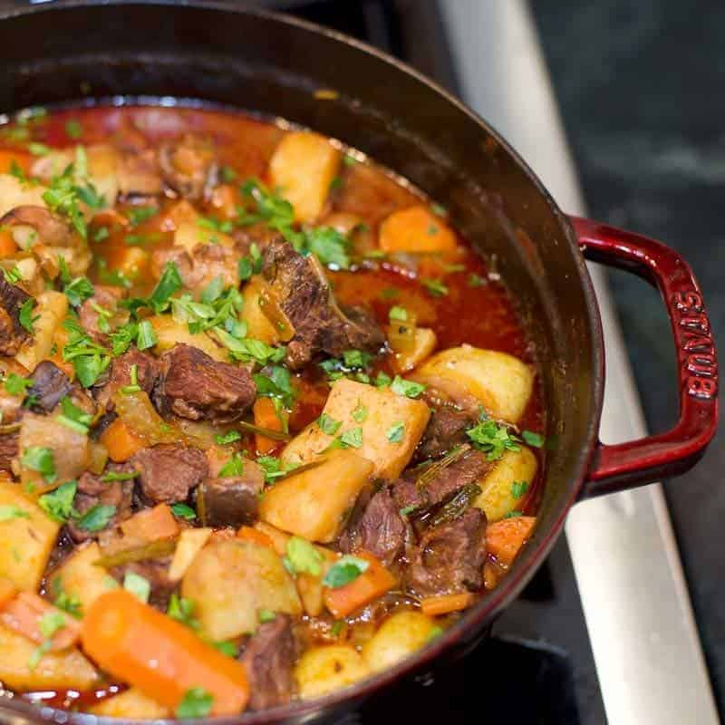 homemade beef stew recipe with red wine.