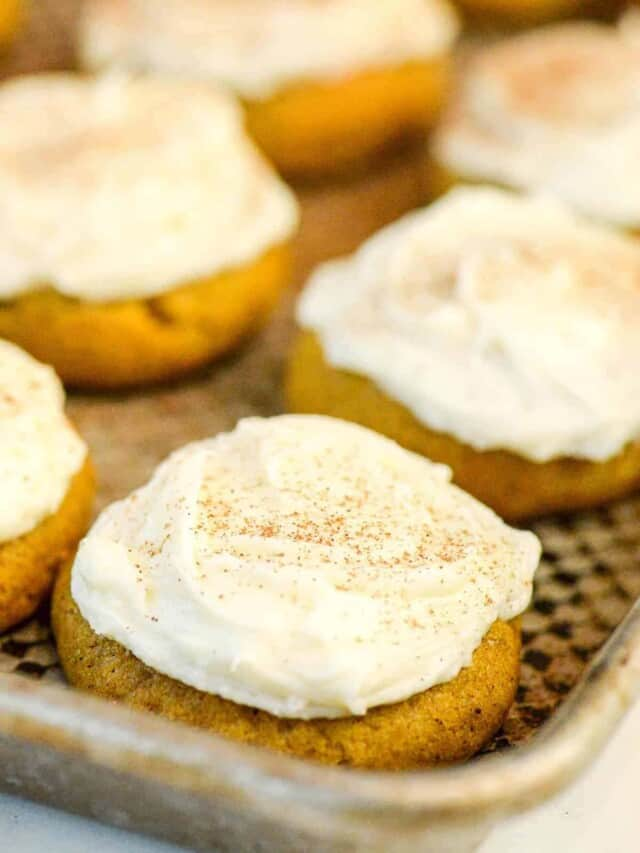 cropped-soft-pumpkin-cookies-frosted.jpg