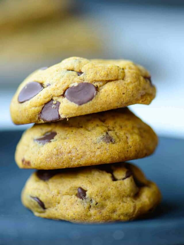 cropped-stack-of-pumpkin-chocolate-chip-cookies-on-a-plate.jpg