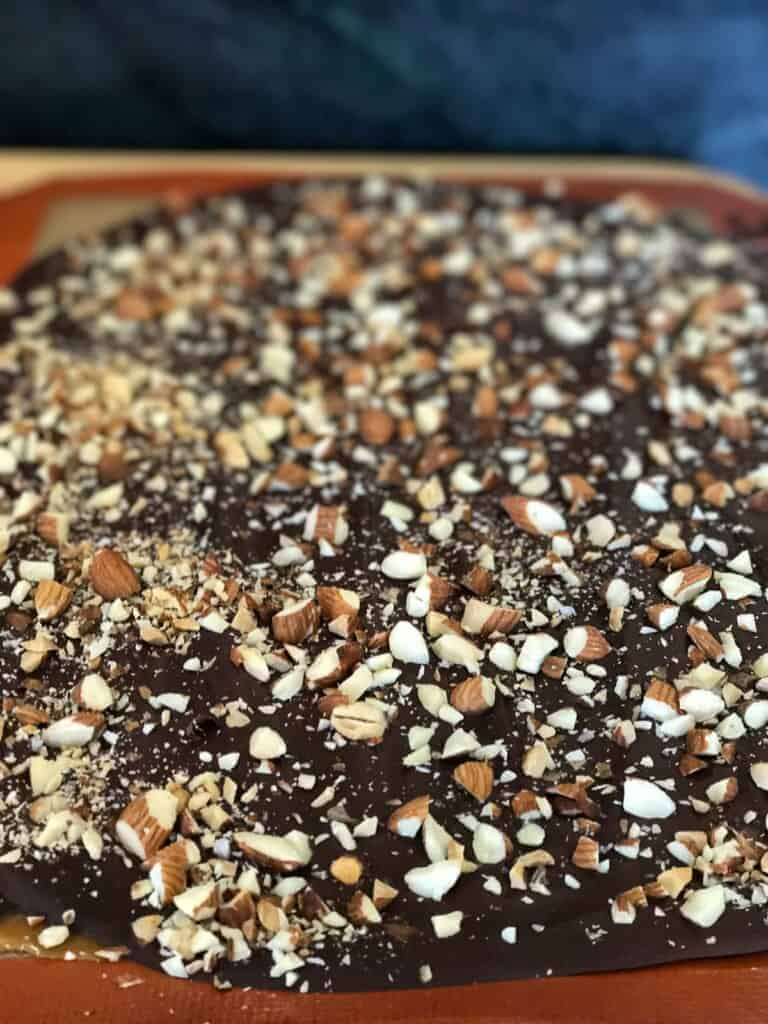 sprinkle with chopped nuts or fleur de sel