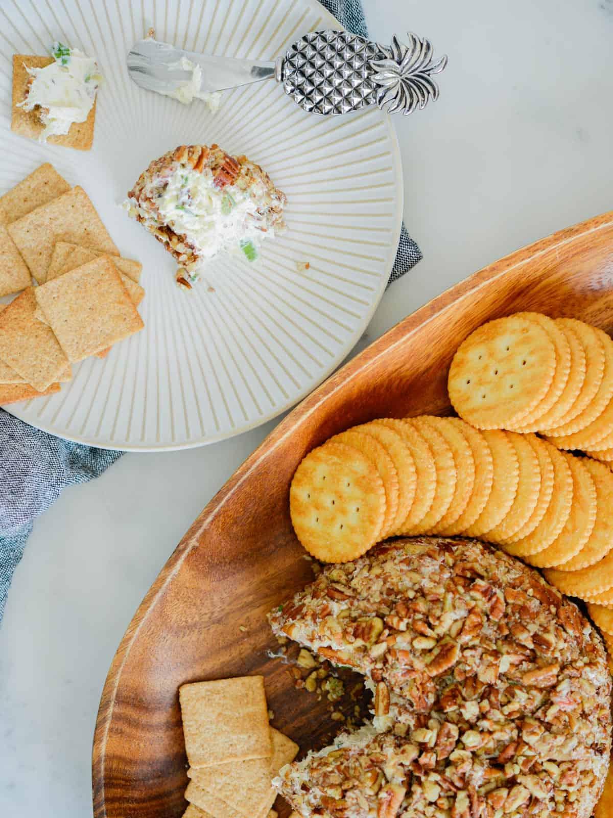 platter of cheeseball and crackers