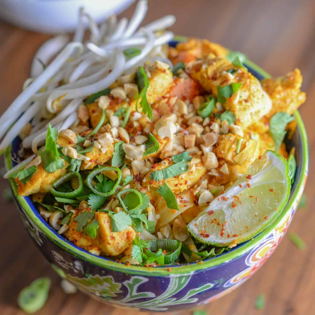 thai noodle bowl with curry chicken